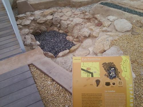 tumba prehistorica